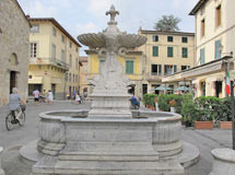 Brunnen am Hauptplatz in Camaiore
