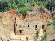 Populonia Grotte